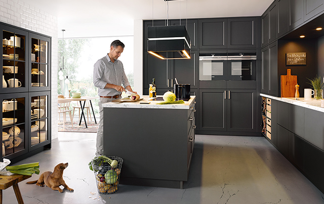Fall in love with dark kitchen cabinets