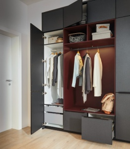 Alba Torino Black & Indian Red Hanging and Storage Solutions